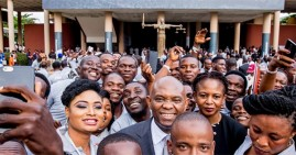 Tony Elumelu with other Black entrepreneurs